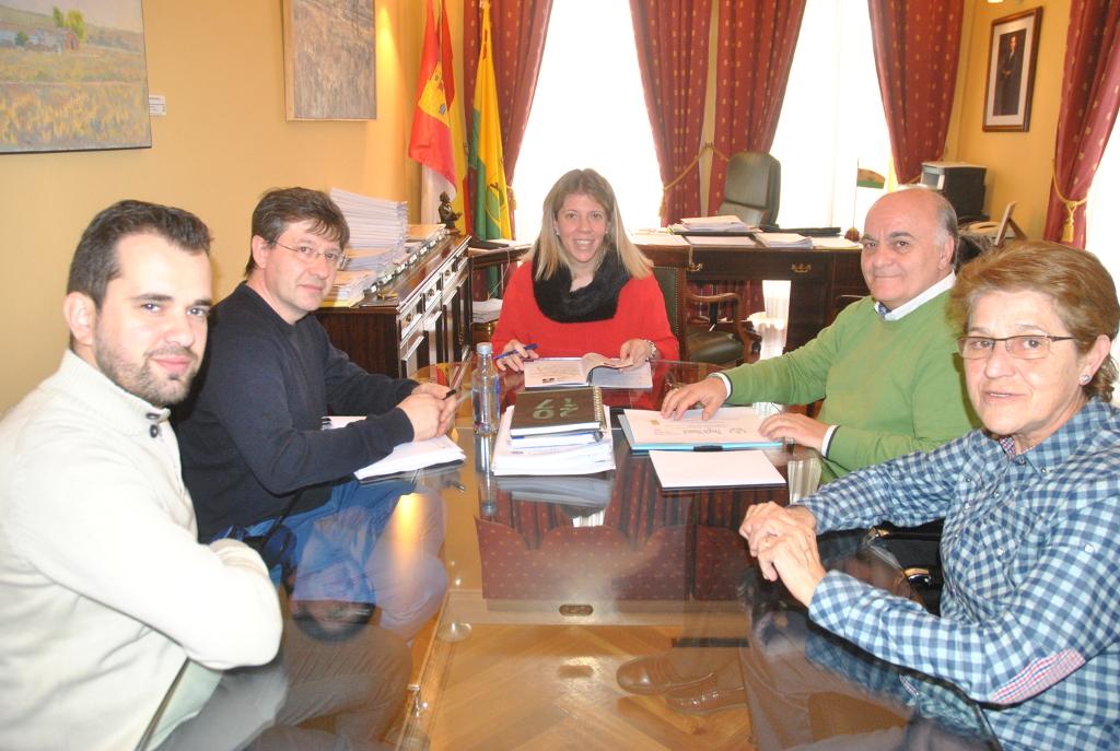 La Alcaldesa y la Junta de Cofradías se reúnen para preparar la Semana Santa de Tomelloso