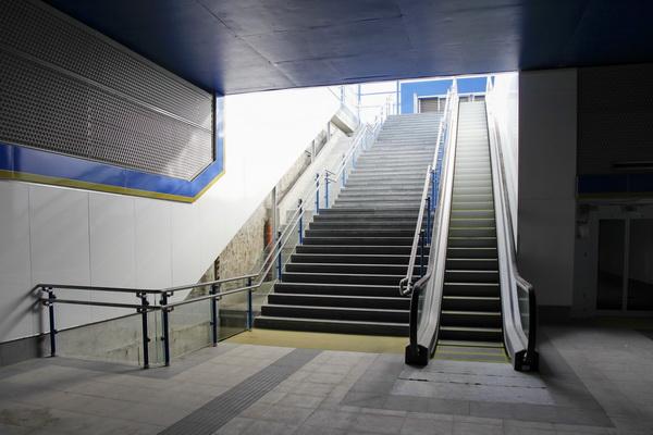 Listo el aparcamiento de Los Molinos a la espera de la apertura del acceso a El Casar