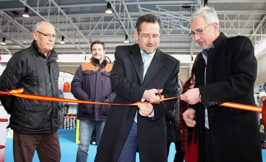 La IX Feria del Stock de La Solana arrancaba este viernes con 27 stands en el 'Antonio Serrano'