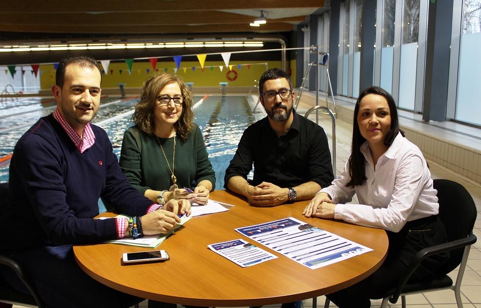 Presentado el proyecto de gestión de la piscina cubierta Diana Sánchez, de Socuéllamos