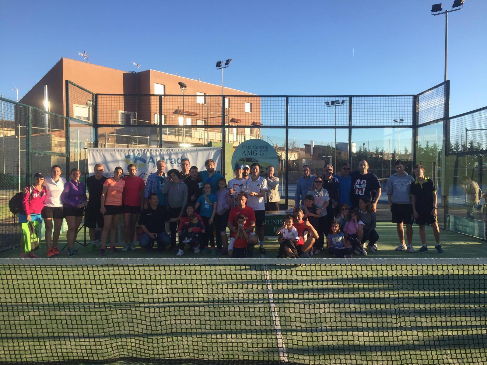 Autrade celebró su torneo de pádel en la instalaciones de tenis y pádel Poblete