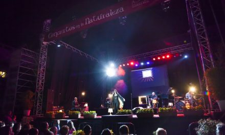 La Plaza de la Constitución vibra con la voz de Diana Navarro