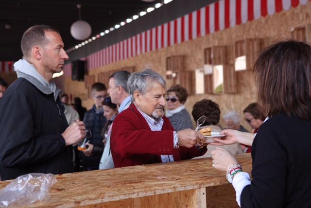 El público de Alcázar respondió positivamente a la cita con la XI Feria de los Sabores