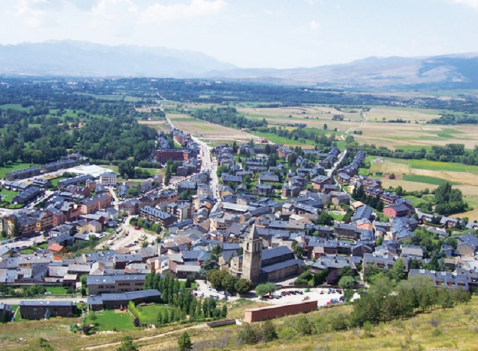 Llivia, el pueblo español situado en Francia