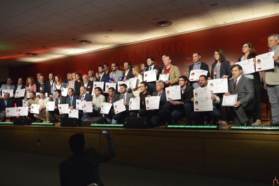 Lidia Molina entrega en FENAVIN los premios «Gran Oro» del concurso  de vinos «España Selección»