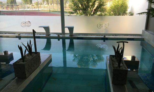 Las piscinas de la Playa del Vicario abren con un nuevo spa y numerosas mejoras