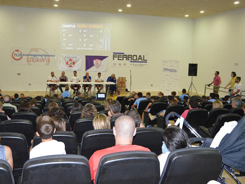 Rubén Sobrino clausura su campus con una charla sobre su trayectoria deportiva