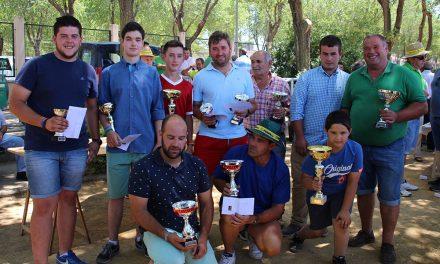 Arada, manejo de tractor y tirada de obstáculos, concursos agrícolas de feria
