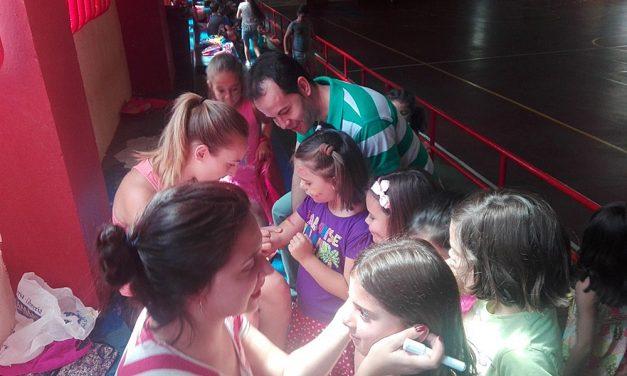 Diversión y entretenimiento para los 115 niños y niñas que asisten en julio a la Escuela de Verano