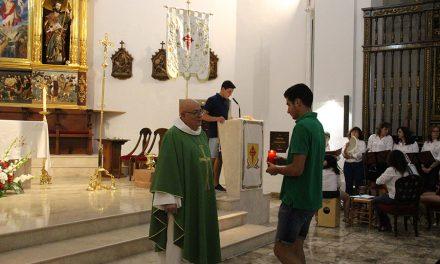Los jóvenes y el coro de Santa María protagonizaron el segundo día del triduo a Santiago