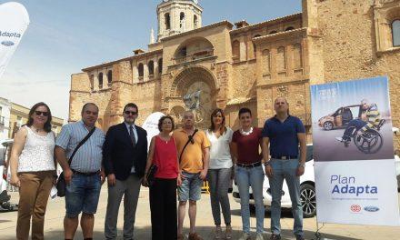 Ford Adapta llega a Manzanares para facilitar la prueba de coches adaptados a personas con discapacidad