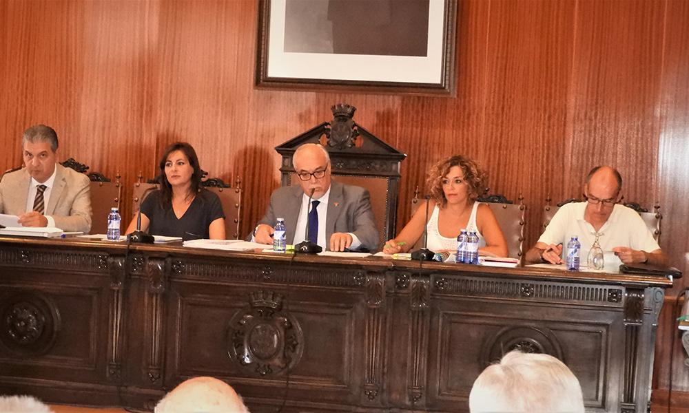 Obras, servicios, subvenciones y peticiones vecinales centraron algunas de las preguntas planteadas en el pleno de Manzanares