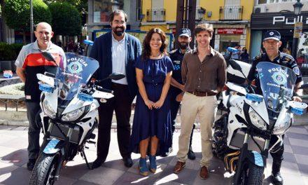 La Policía Local ya cuenta con dos nuevas motocicletas para patrullar durante los días de Feria y Fiestas