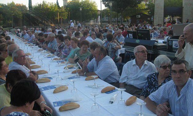 El Acto Homenaje a los Mayores incluirá la entrega de reconocimientos de los centros del Lucero y Bonillas