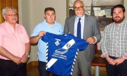 Julián Nieva muestra el apoyo municipal al Manzanares CF