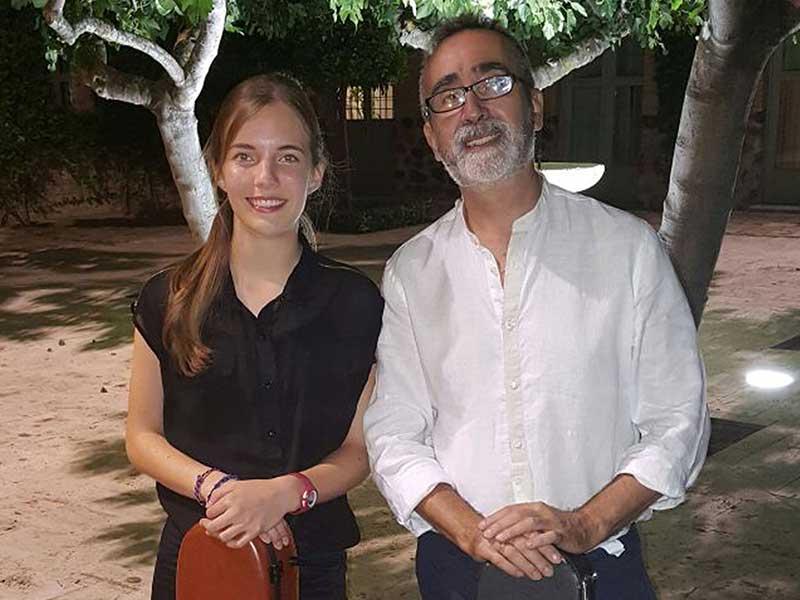 El dúo 'Contrastes' vuelve al patio del Museo Comarcal
