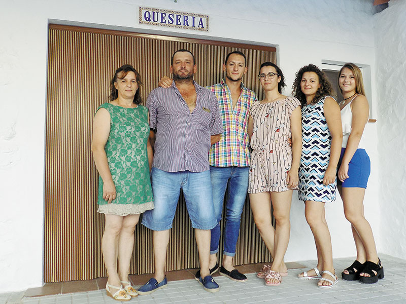 Quesos El Miguelito: De oveja manchega, hechos como antiguamente
