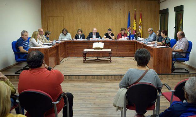 """El Pleno aprueba una moción de apoyo a los servicios públicos """"acosados"""" en Cataluña"""