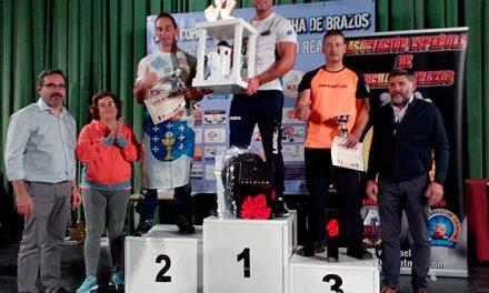 Más de 80 luchadores de brazos del país en la XVII Copa de España en Pedro Muñoz