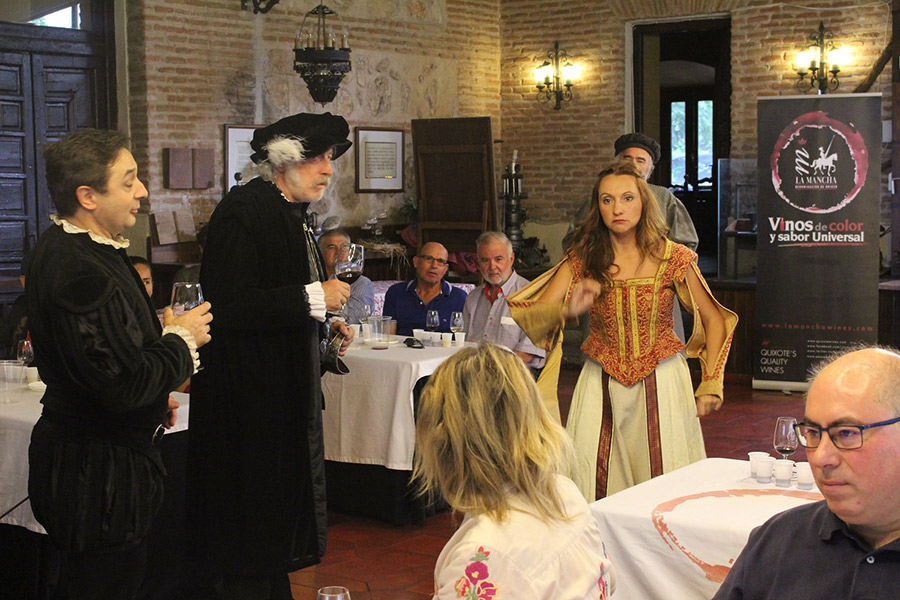 DO La Mancha ensalza su tradición centenaria con la Fiesta de la vendimia en Torrejón de Ardoz