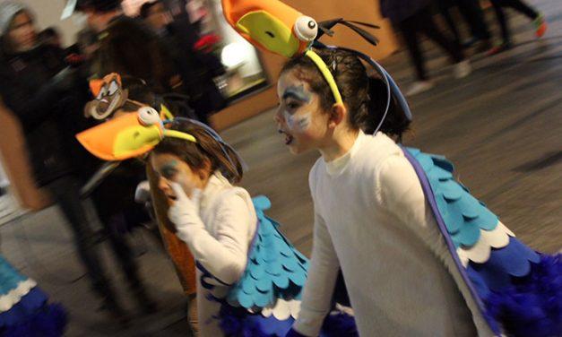 El color y la alegría del Carnavalcázar 2017 se inicia en la ciudad con el desfile infantil
