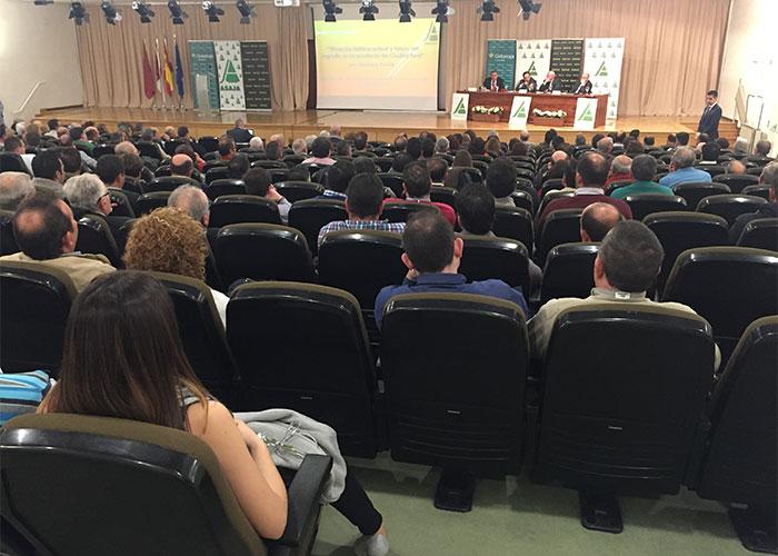 El presidente de ASAJA, Pedro Barato, pide que se mantengan las actuales dotaciones para regadío en el Alto Guadiana