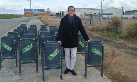 """La campaña de limpieza """"Cuida tu Herencia"""" invierte en mobiliario urbano para facilitar su desarrollo en el municipio"""