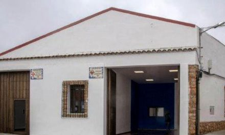 Inaugurados los guardapasos que el Ayuntamiento ha cedido a las cofradías de la Veracruz y de la Sagrada Lanzada