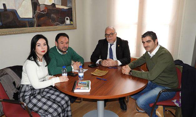 El Ayuntamiento de Manzanares apoya la implantación de un ciclo de FP de Fitnness, solicitada por el IES Azuer