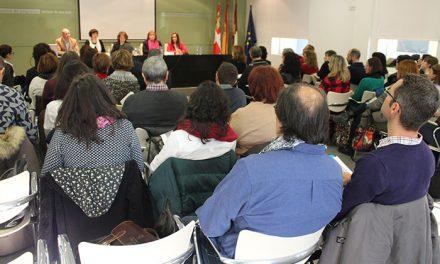 La Consejera de Bienestar Social presenta en Alcázar el Catálogo de Prestaciones de Servicios Sociales