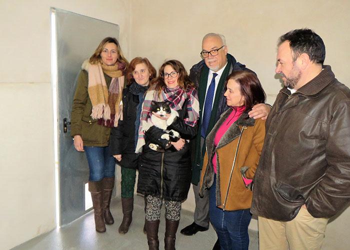 La Plataforma Ciudadana Pro Animal recibe las llaves del nuevo núcleo felino