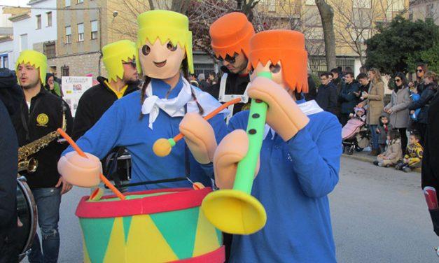 Éxito notable de los desfiles y bailes de Carnaval criptanenses con gran presencia de la máscara callejera