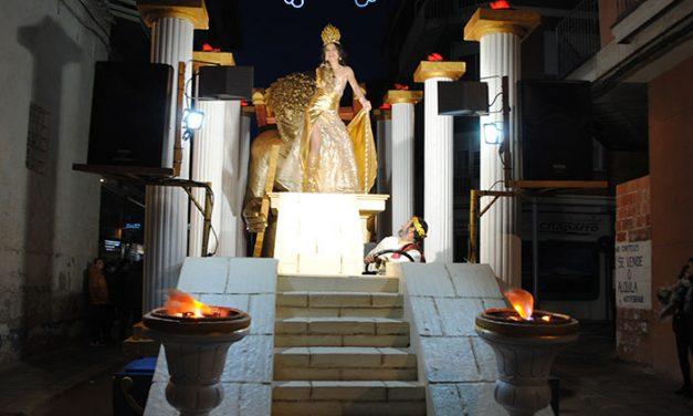 'La batalla de los Dioses' del Chaparral de Cuenca, primer premio del XXXVII Concurso Regional de Carrozas con Comparsa