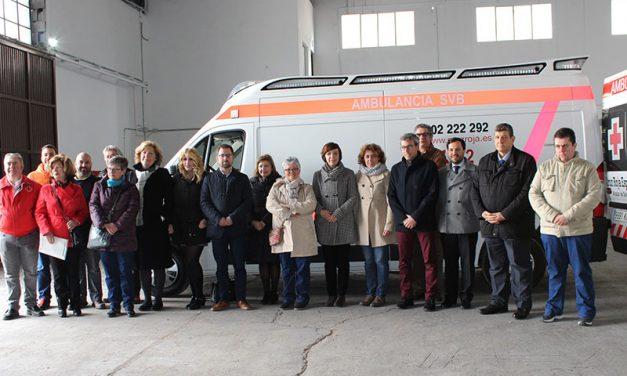 Cruz Roja recupera la nave que sufrió un incendio y presenta su nueva ambulancia