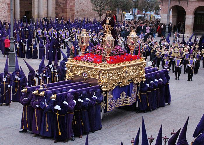 La lluvia protagonizó el Viernes Santo en La Solana
