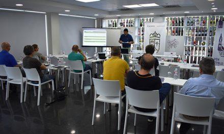 Rutas del Vino imparte una jornada de formación en el Museo Torre del Vino de Socuéllamos
