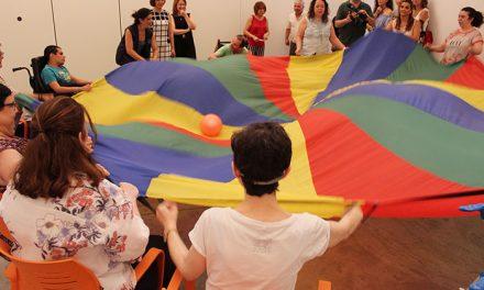 Los usuarios del Frida Kahlo disfrutaron de una jornada de ocio veraniego gracias a la asociación 'Juntos'
