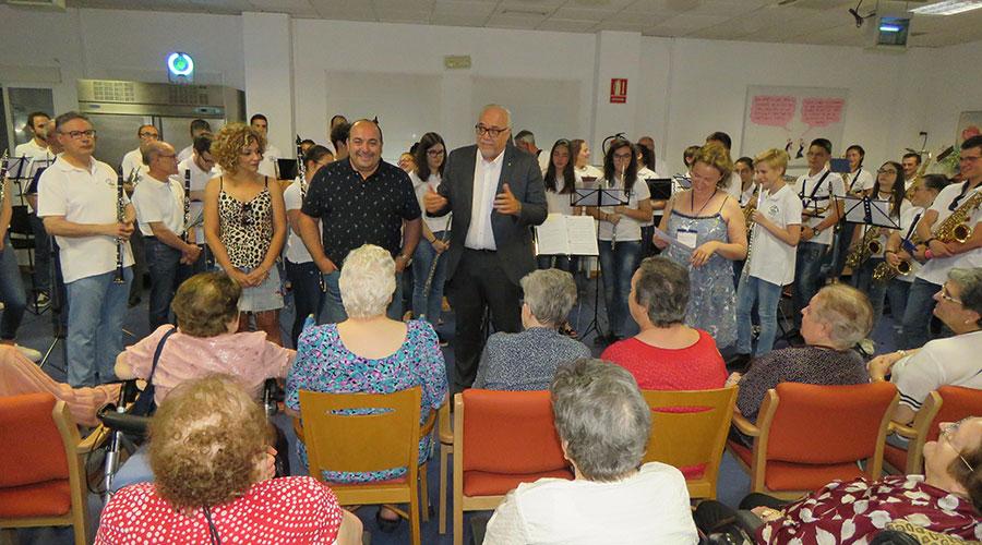 Ayuntamiento y Junta firmarán en septiembre el convenio para ampliar la residencia 'Los Jardines'