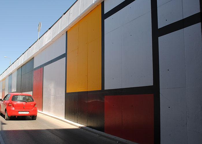 Las pinturas de Mondrian inspiran la nueva decoración del paso subterráneo de Torrecillas