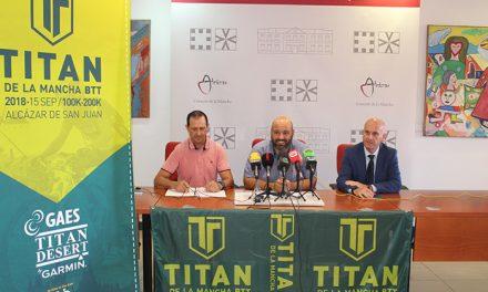 El sábado a las 6,30 horas parte la Titán de La Mancha de la Plaza de España de Alcázar
