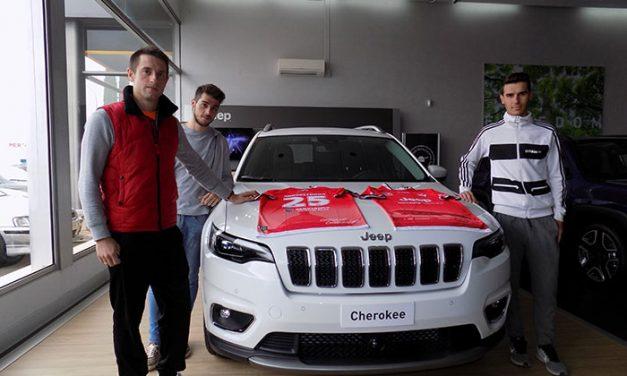 Serviauto, concesionario Fiat y Jeep, presenta la nueva equipación oficial del Miguelturreño para la temporada 2018/19