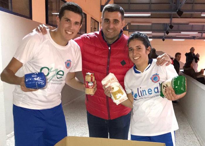 Apoyo del Club Baloncesto Ciudad Real al Banco de Alimentos en su doble jornada en el Felipe