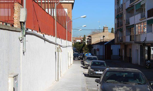 El Ayuntamiento de Alcázar invierte 15.000 euros en la reparación del muro del colegio Santa Clara