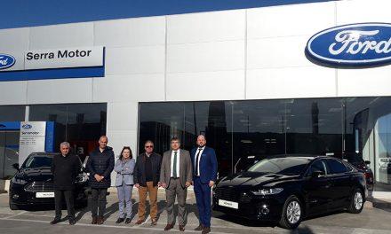 Ford Serramotor hace entrega de dos vehículos a la Diputación Provincial