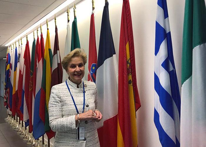 """""""Carmen Quintanilla pide a Naciones Unidas que se garantice el acceso a la tierra a las mujeres rurales de todo el mundo"""""""