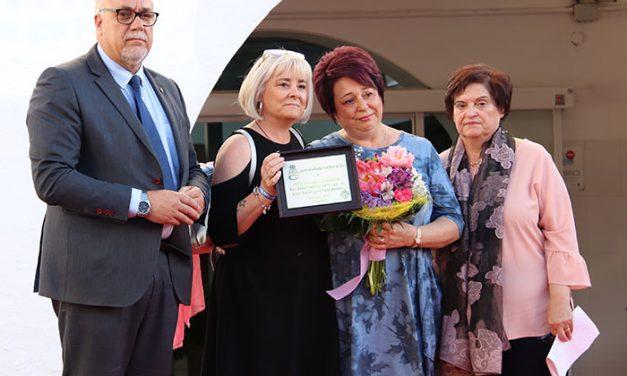 Emotiva celebración del 40º aniversario de la Asociación de Amas de Casa