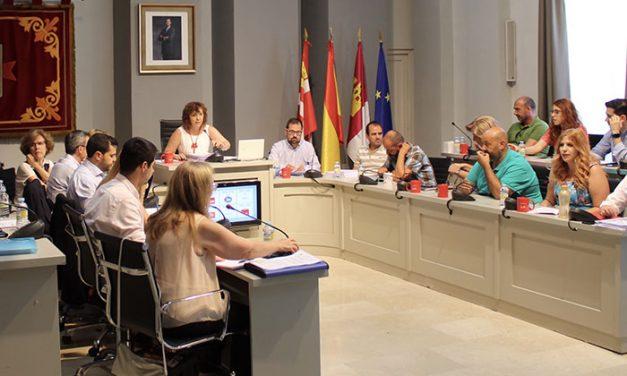 """El Ayuntamiento de Alcázar de San Juan da los primeros pasos para la puesta en marcha del proyecto """"Ciudad del Siglo XXI"""" y la adquisición del teatro Crisfel"""