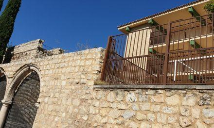 El Ayuntamiento de Jaén estudia la posible ubicación de la sede de la UNED en el colegio Santo Tomás, en el centro histórico