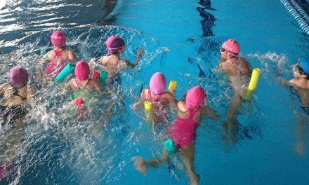Abierto el plazo para los cursos de natación de otoño en la piscina climatizada