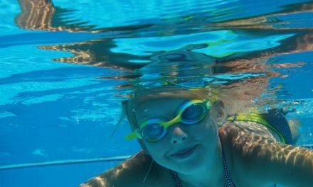 Refréscate las tardes de los martes y los jueves en la piscina con #JuventudMoral